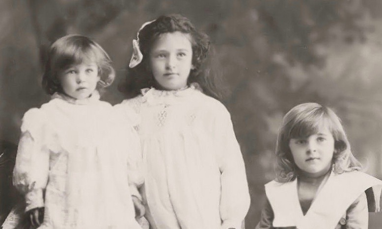 1907 c Maude, Amy & Norman Hull