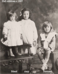 1907 Maude, Amy & Norman Hull